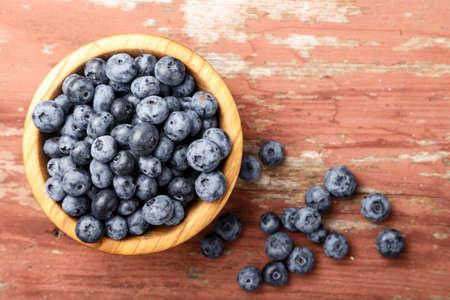 Blueberry antioxidant organic superfood in a wood bowl Zdjęcie Seryjne