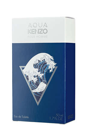 Ukraine, Kyiv - December 28.2020: Men's toilet water Aqua Kenzo pour Homme Kenzo File. File contains clipping path. 報道画像