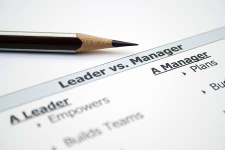 follow the leader: Leider versus manager Stockfoto