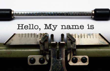 maquina de escribir: Hola, mi nombre es