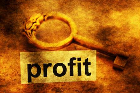 escape key: Profit tag and old key Stock Photo