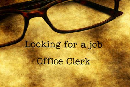oficinista: Buscando un trabajo - empleado de la oficina