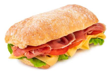 Ciabatta-Sandwich mit Salat, Tomaten, Schinken und Käse isoliert auf weißem Hintergrund. Standard-Bild