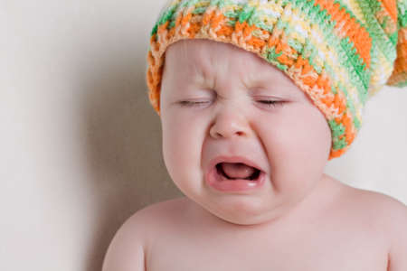 ni�o llorando: Un a�o de edad llanto de un beb� Foto de archivo