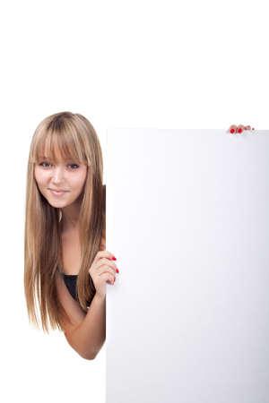 Schönes Mädchen hält eine Fahne über isolierte weiß Standard-Bild