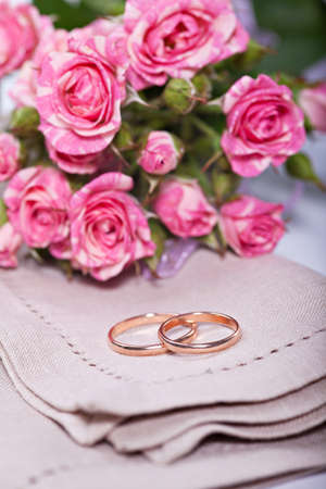 rose bud: Two wedding ring