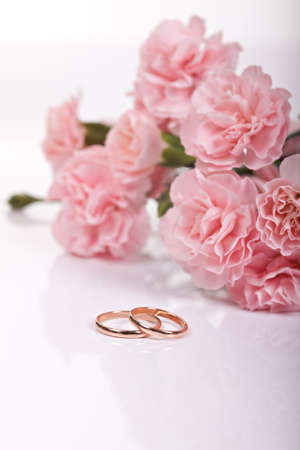 rose ring: Wedding rings with flowers Stock Photo
