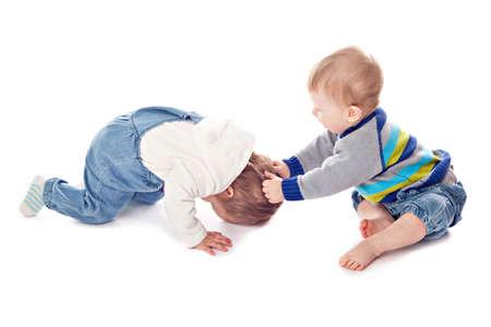 Konflikt von zwei Kindern. Studio Dreharbeiten