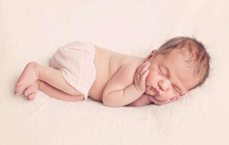 Schlaf Neugeborenen Babymädchen Lizenzfreie Bilder