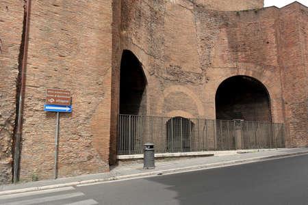 martiri: Rome, Italy - August 17, 2015: Detail of Basilica Santa Maria degli Angeli e dei Martiri in Piazza della Repubblica. Editorial