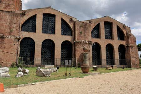 martiri: Rome, Italy - August 17, 2015: Arch of the Basilica Santa Maria degli Angeli e dei Martiri in Piazza della Repubblica. Editorial