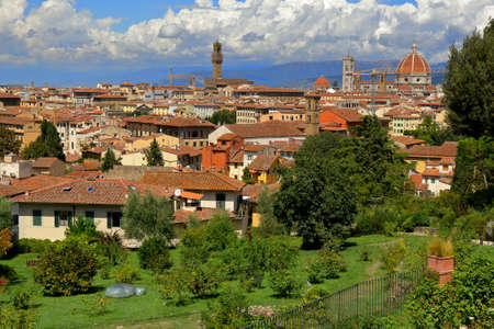 giardino: Florence, Italy - August 19, 2015: View on Florence City from the Giardino delle Rose, created by architect Giuseppe Poggi in 1865 Editorial