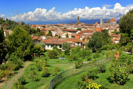 giardino: Florence, Italy - August 19, 2015: View on Florence from the Rose Garden Giardino delle Rose, created by architect Giuseppe Poggi in 1865