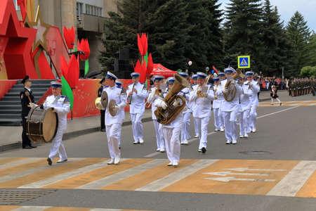 seconda guerra mondiale: Pyatigorsk, Russia - 9 maggio 2017: Musicisti dell'orchestra militare è sfilato nella Parata dedicata al Giorno della Vittoria nella Grande Guerra Patriottica. Pyatigorsk, regione di Stavropol, Russia Editoriali