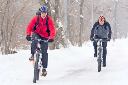 snowing: winter cycling