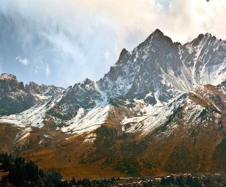 Rocks snow spruce mountain houses