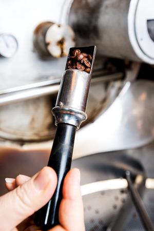 Check of coffee roasting process