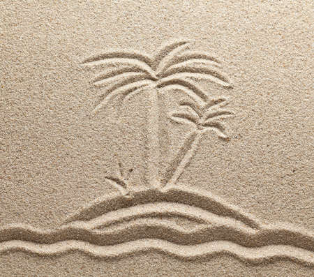 sand grains: The island with palm trees in the sea is drawn on sand