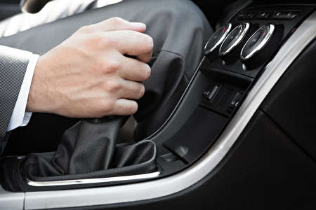 Hand of the driver of the car  免版税图像