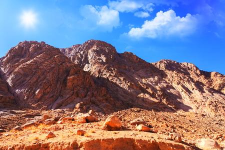 Monte de Moisés en el desierto de Sinaí, Egipto Foto de archivo - 37391834