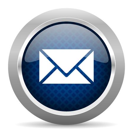 e-mail blauwe cirkel glanzende web pictogram op een witte achtergrond, ronde knop voor internet en mobiele app Stockfoto