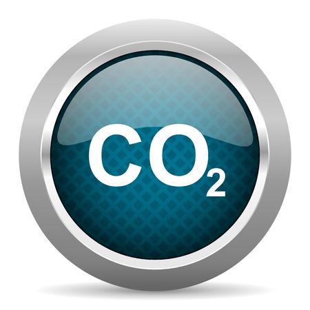 dioxido de carbono: el dióxido de carbono icono de borde cromado plata azul sobre fondo blanco Foto de archivo