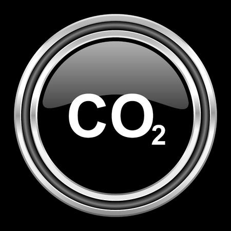 dioxido de carbono: el dióxido de carbono de cromo metálico de plata del icono del Web de corazón sobre fondo negro Foto de archivo