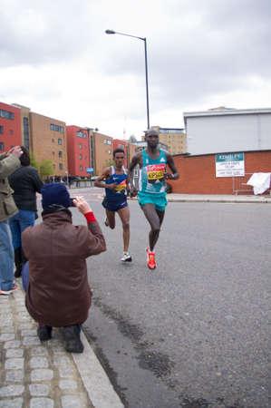 wilson: London, United Kingdom. 24 april, 2016. Kenyan athlete Wilson Kipsang and Ghirmay Ghebreslassie of Eritrea running in the Virgin Money London Marathon 2016