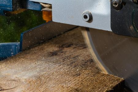 cutting boards with pendular circular saw