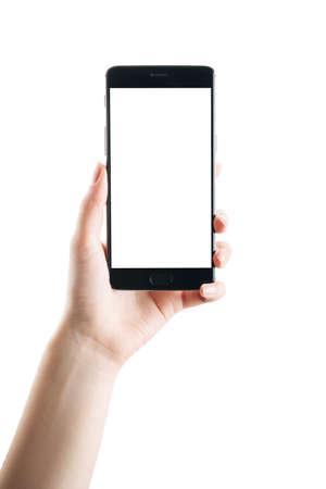 Frauenhand hält Smartphone isoliert auf weißem Hintergrund, mit einem sauberen Bildschirm