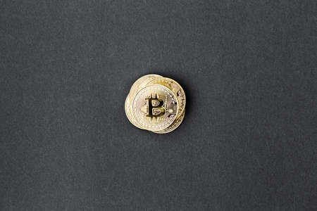 bitcoin on a black background, coin bitcoin on the table, a lot of free space 版權商用圖片