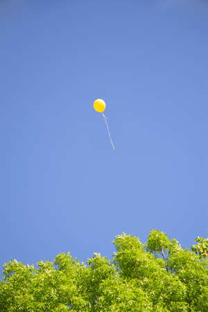 releasing: Balloon departs