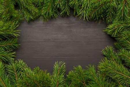 Kerst fir achtergronden. Houten achtergrond met natuurlijke pijnboomtakken zonder decor. Lay-out voor site-ontwerp Stockfoto