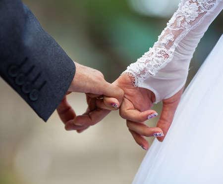 dedo me�ique: El hombre y la mujer que hace una promesa del me�ique