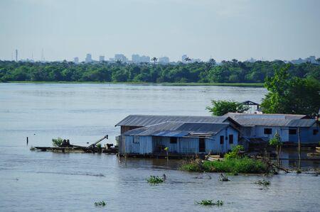 rio amazonas: Manaus, BR - Casa en el r�o Amazonas