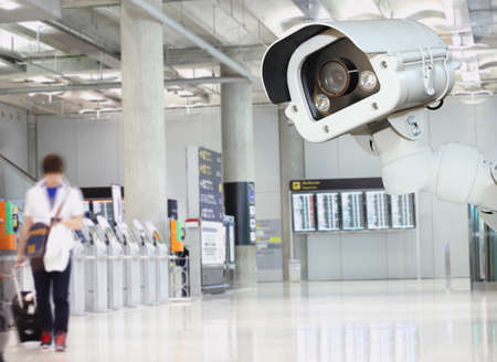 CCTV camera or surveillance operating in air port. 版權商用圖片 - 38196953