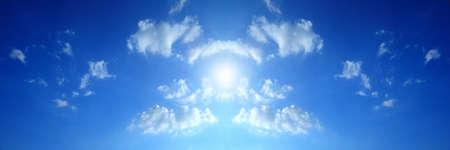 atmosfere: cielo nuvole blu, cielo blu con nuvole. Archivio Fotografico