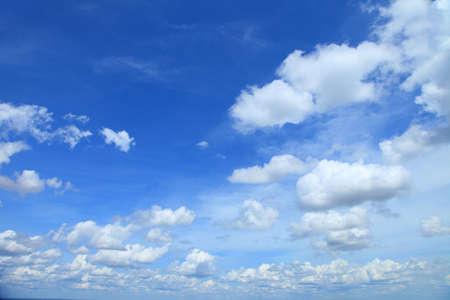 himmel mit wolken: blauen Himmel Wolken, blauer Himmel mit Wolken.