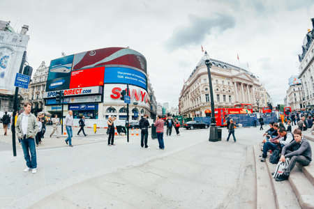tdk: LONDON - OCTOBER 11 View of Piccadilly Circus on October 11, 2013 in London. Famous advertisements of TDK and Sanyo have been here for at least 20 years and are considered symbols of famous square.