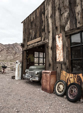 Old vintage car truck abandoned in the desert 스톡 콘텐츠 - 144009429