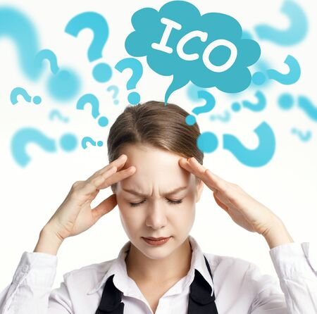 Business, technology, internet and network concept. The young entrepreneur comes up with an important idea: ICO Zdjęcie Seryjne