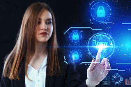Business, Technologie, Internet und Netzwerkkonzept. Junger Geschäftsmann, der an einem virtuellen Bildschirm der Zukunft arbeitet Standard-Bild