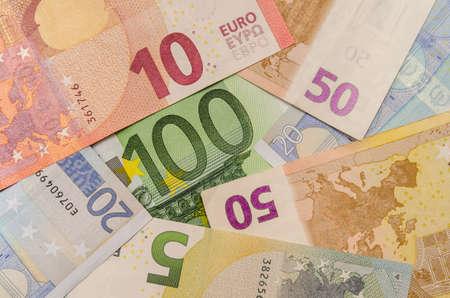 banconote euro: Diverse banconote in euro