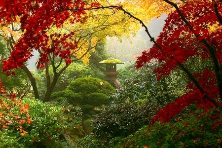 ponte giapponese: Statua Garden di Portland s Giardini giapponesi Archivio Fotografico