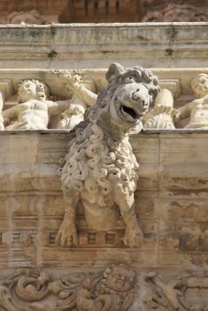 cara leon: Detalle de una g�rgola en la catedral de Astorga, Le�n, Espa�a