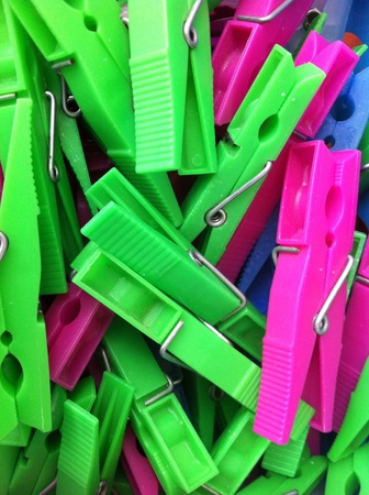 clothes pegs: Clothes pins