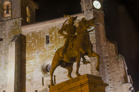 conquistador: Equestrian statue of Francisco Pizarro in Trujillo at night  Trujillo is the birthplace of famous Spanish conquerors