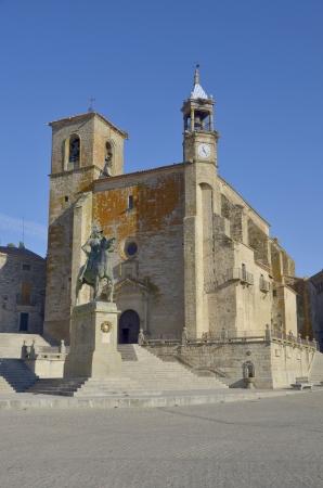 pizarro: Equestrian statue of Francisco Pizarro in Plaza Mayor of Trujillo, Cáceres, Extremadura, Spain