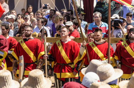 belmonte: BELMONTE, CUENCA, SPAIN - MAY 1: Members of Spansih team on May 1, 2014 in Belmonte, Cuenca, Spain. From May 1 to May 4 Belmonte is celebrating the world Championship of Medieval Combat Editorial