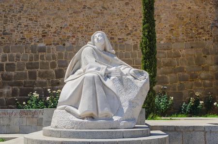sanctity: Statua di Santa Teresa di Ges� nella citt� di Avila, Castiglia e Leon, Spagna Archivio Fotografico